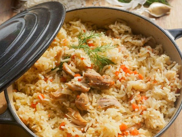 Как приготовить плов из курицы, чтобы рис был рассыпчатым? 18