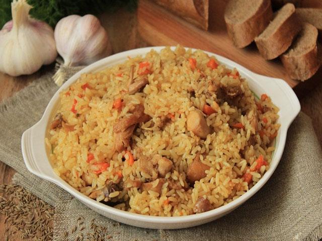 Как приготовить плов из курицы, чтобы рис был рассыпчатым? 1